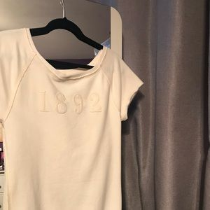 Short sleeve Abercrombie and Fitch sweatshirt